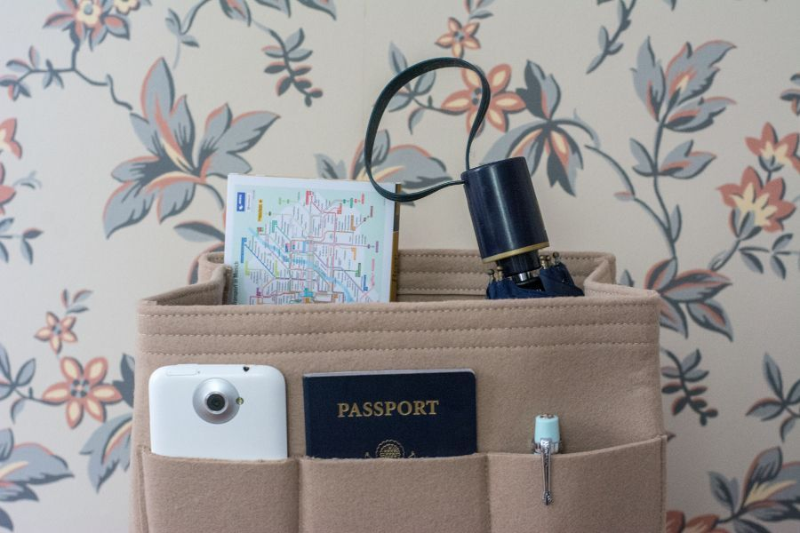 How to Stay Outstandingly Organized While Traveling: The Keokee Tote